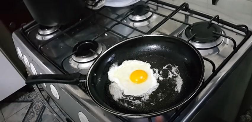 fritar sem grudar frigideira velha